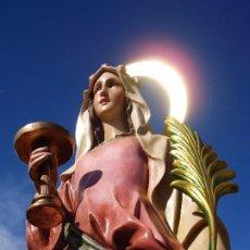 Arte: SANTA LUCIA MARTIR PASTA DE MADERA GRANDES MEDIDAS 1M CORONA DE LATÓN. Lote 208052635