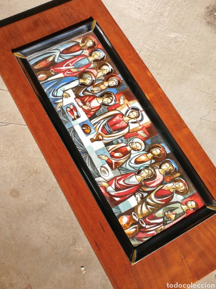 Arte: PRECIOSA SANTA CENA EN ESMALTE CON MARCO PLATA, SOBRE BASE DE MADERA, 50X22CM. - Foto 9 - 210035283