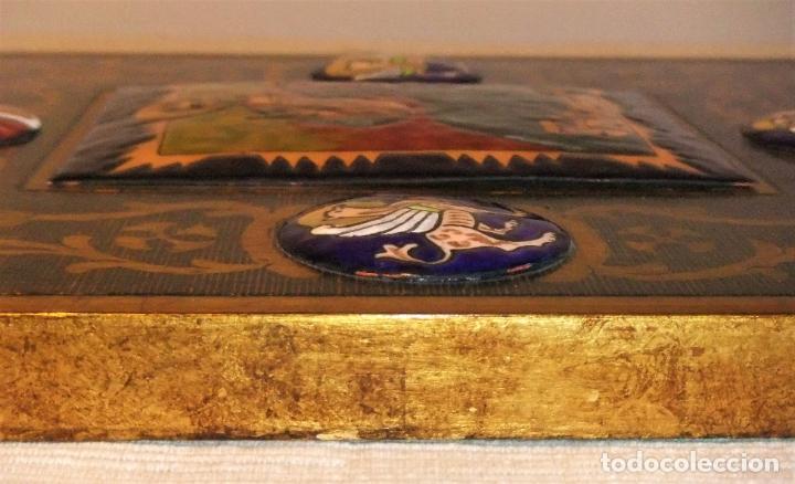 Arte: PRECIOSA TABLA RETABLO CON ESMALTES DEL PANTOCRATOR Y LOS SÍMBOLOS DE LOS EVANGELISTAS - Foto 10 - 210243650