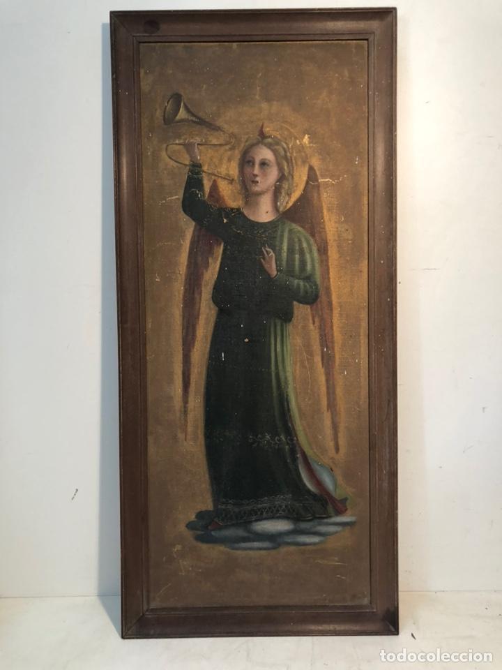 ARCANGEL GABRIEL TOCANDO LA TROMPETA, OLEO SOBRE TELA PEGADA A CARTON ANTIGUO, PARA RESTAURAR. (Arte - Arte Religioso - Pintura Religiosa - Oleo)