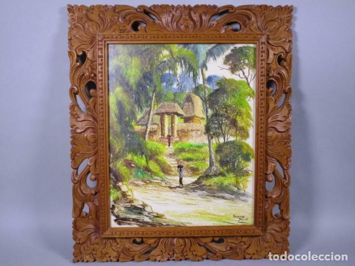 PRECIOSO PAISAJE DE BALI ARTE, MARCO MADERA TALLADO BELLAS ORNAMENTACIONES, APROX. 48 X 41 CM (Arte - Arte Religioso - Pintura Religiosa - Oleo)
