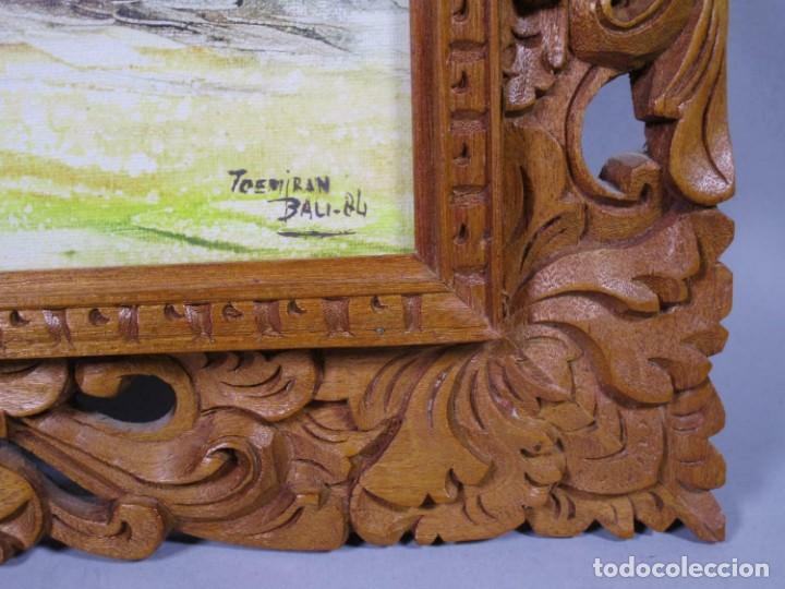 Arte: PRECIOSO PAISAJE DE Bali arte, MARCO MADERA TALLADO BELLAS ORNAMENTACIONES, aprox. 48 x 41 cm - Foto 2 - 211882871