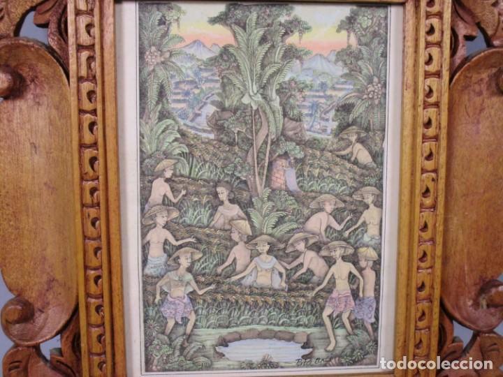 Arte: PRECIOSO PAISAJE DE Bali arte, MARCO MADERA TALLADO BELLAS ORNAMENTACIONES, aprox. 29,5 x 25 cm - Foto 3 - 211882951
