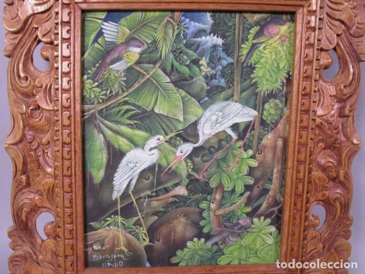 Arte: PRECIOSO PAISAJE DE Bali arte, MARCO MADERA TALLADO BELLAS ORNAMENTACIONES, aprox. 37,5 x 33 - Foto 3 - 211883172