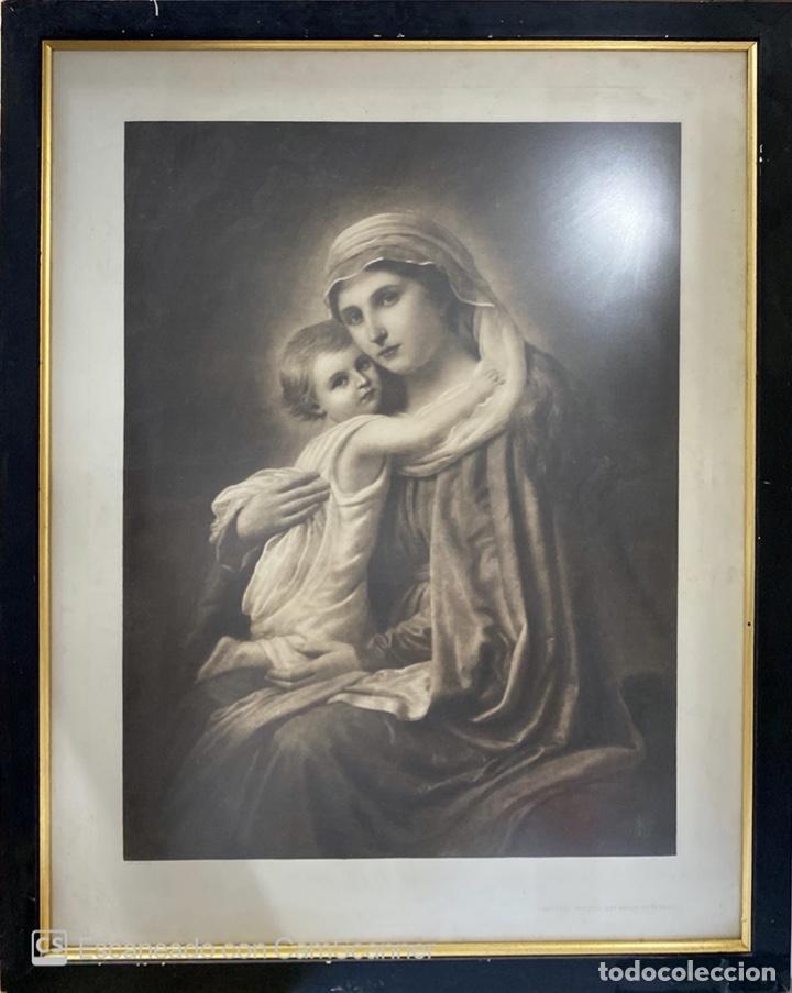 LAMINA DE LA VIRGEN ENMARCADA. EDITORES MANITZKI & Cº BERLIN. FIEDENAU. (Arte - Arte Religioso - Litografías)