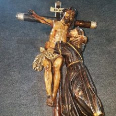 Arte: ANTIGUA TALLA RELIGIOSA DE CRISTO CON SAN FRANCISCO. S.XVIII. Lote 212739800