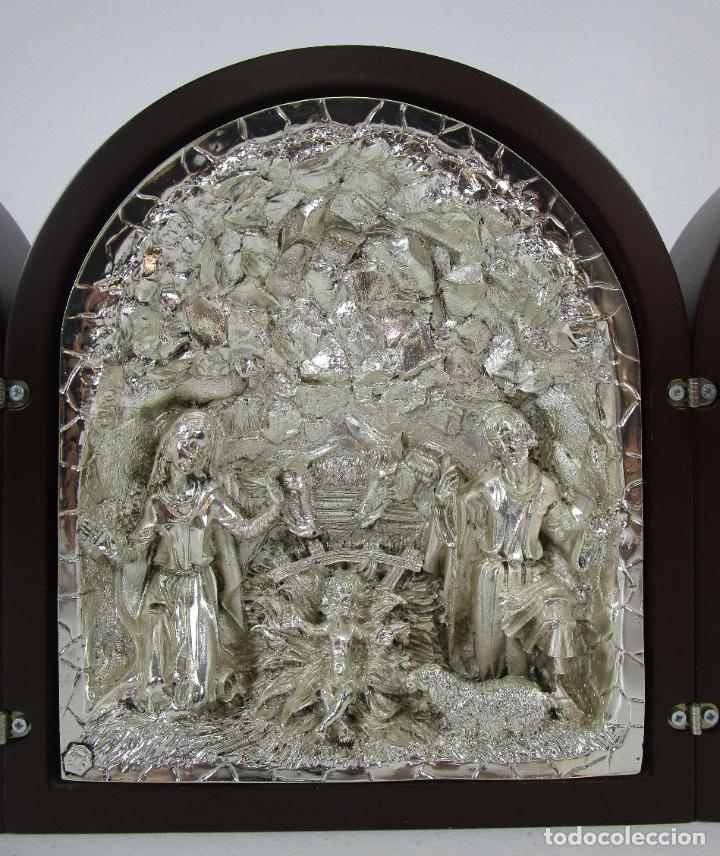 Arte: Precioso Tríptico de Nacimiento - Belén Realizado en Plata de Ley y Resina - Años 80 - Foto 2 - 214322040