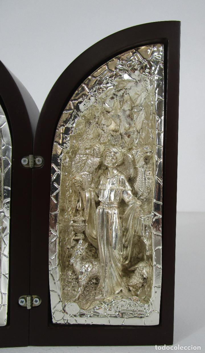 Arte: Precioso Tríptico de Nacimiento - Belén Realizado en Plata de Ley y Resina - Años 80 - Foto 5 - 214322040