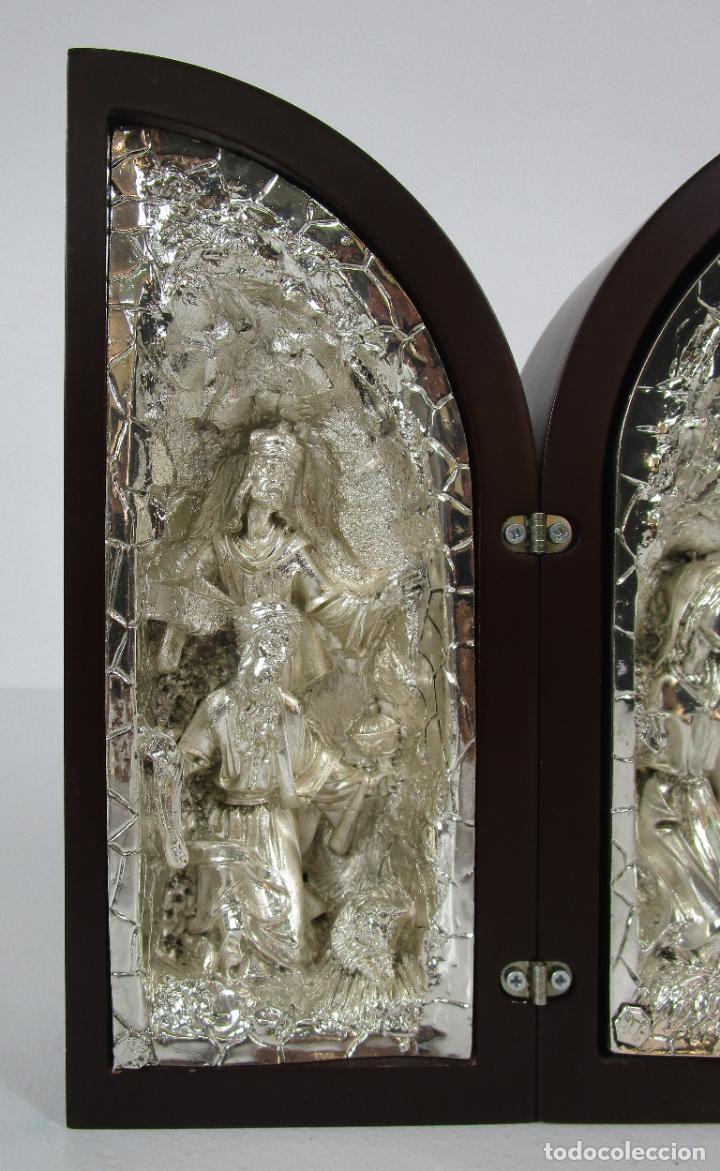 Arte: Precioso Tríptico de Nacimiento - Belén Realizado en Plata de Ley y Resina - Años 80 - Foto 6 - 214322040