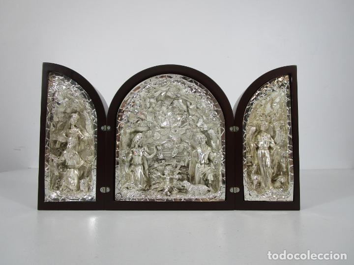 Arte: Precioso Tríptico de Nacimiento - Belén Realizado en Plata de Ley y Resina - Años 80 - Foto 13 - 214322040