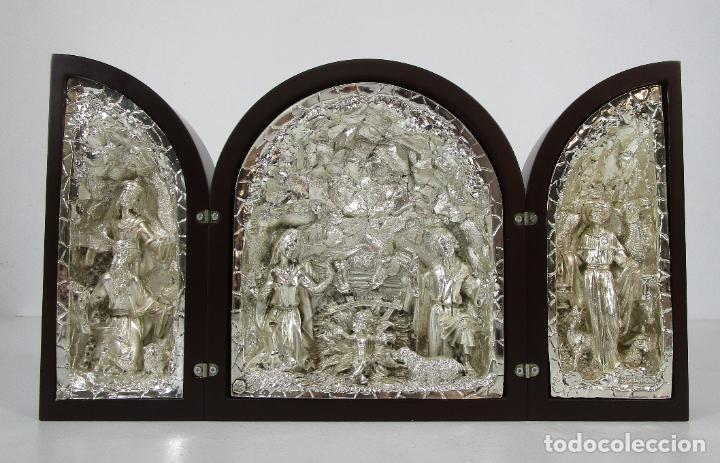 PRECIOSO TRÍPTICO DE NACIMIENTO - BELÉN REALIZADO EN PLATA DE LEY Y RESINA - AÑOS 80 (Arte - Arte Religioso - Escultura)