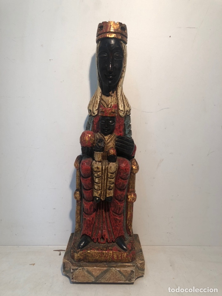 VIRGEN NEGRA DE TALLA MADERA ESTILO ROMANICO. 41,5CM. (NO ES MUY ANTIGUA). (Arte - Arte Religioso - Escultura)