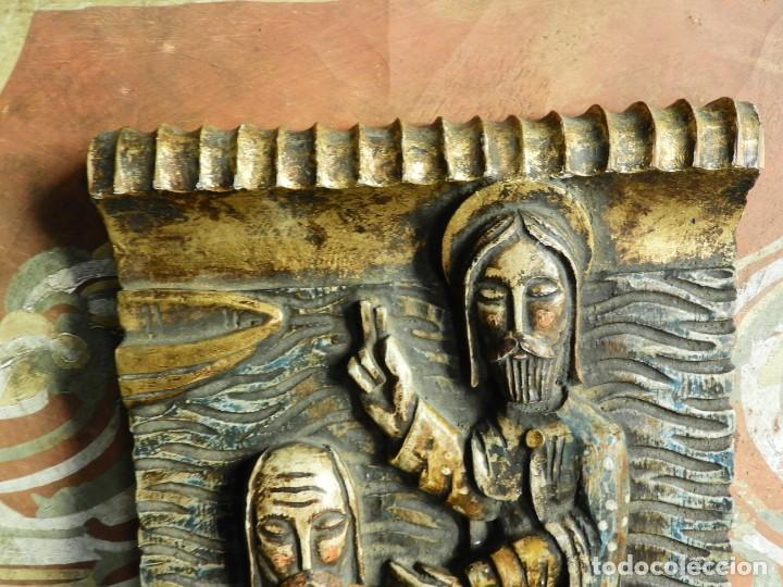 Arte: TABLA RELIGIOSA DE ESCAYOLA IMITANDO MADERA - Foto 3 - 216479956