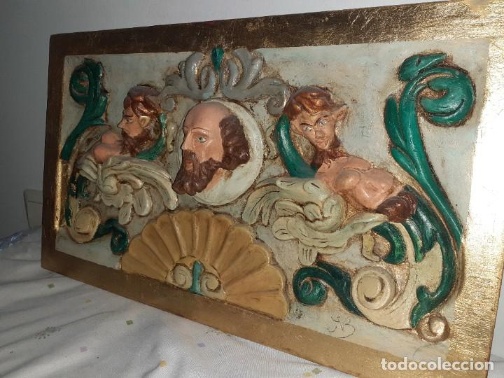 RELIEVE EN MADERA POLICROMADO DE 32 X52 (Arte - Arte Religioso - Retablos)
