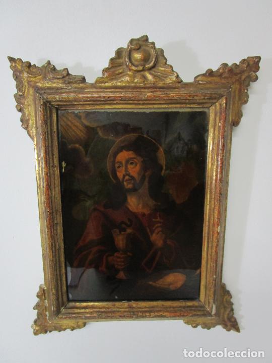 PINTURA AL ÓLEO SOBRE CRISTAL - SAN JUAN EVANGELISTA - ESCUELA ESPAÑOLA - MARCO DE ÉPOCA - S. XVIII (Arte - Arte Religioso - Pintura Religiosa - Oleo)