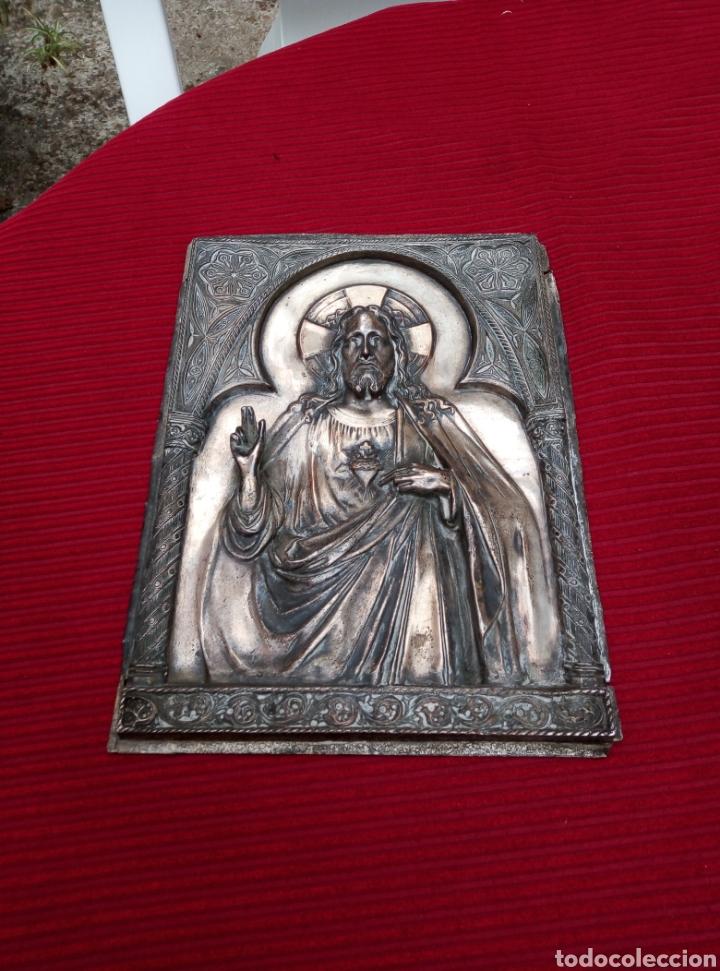 MUY ANTIGUA IMAGEN DEL CORAZÓN DE JESÚS EN METAL. (Arte - Arte Religioso - Retablos)