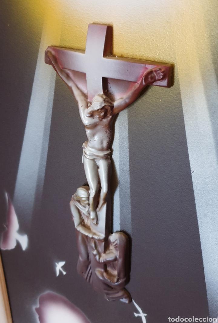 Arte: CUADRO RELIGIOSO CRISTO CRUCIFICADO EN RELIEVE MUY BONITO VINTAGE AÑOS 80s - Foto 2 - 217907713