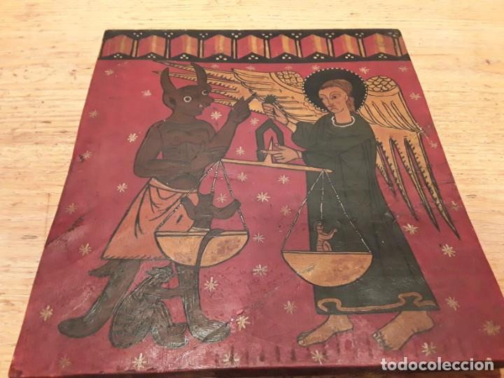 ANTIGUA PINTURA RELIGIOSA , SOBRE TABLA 29 X 32 (Arte - Arte Religioso - Pintura Religiosa - Otros)