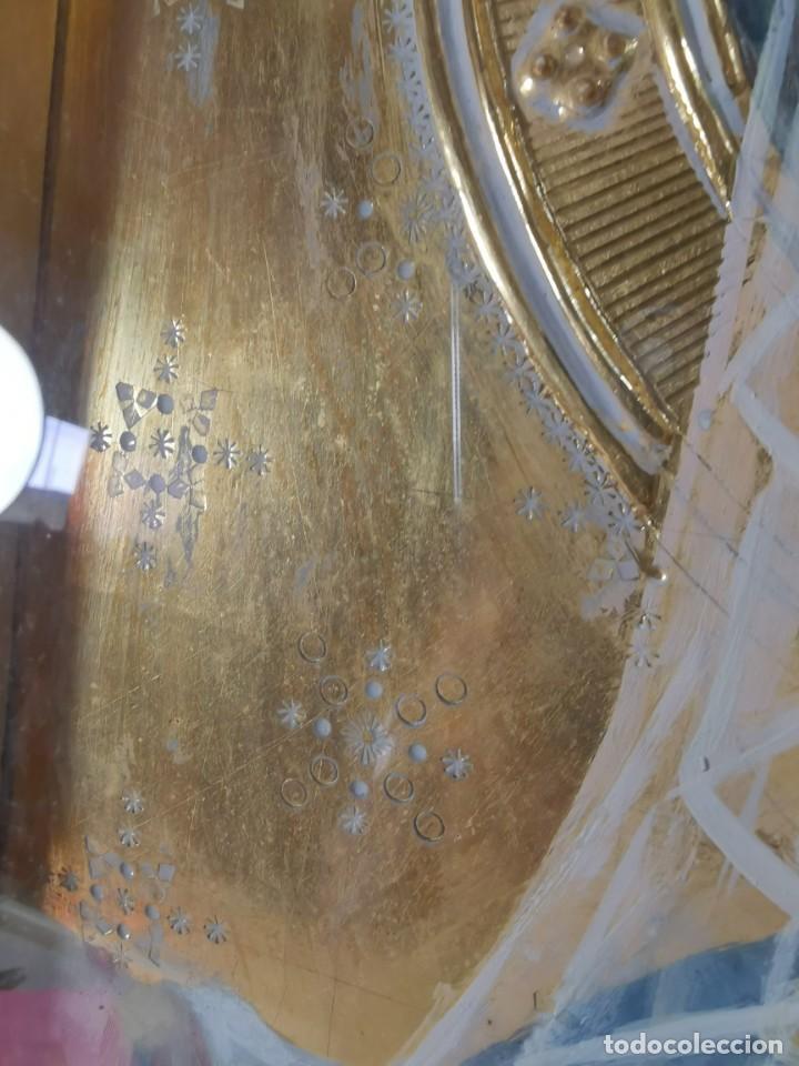 Arte: Virgen María pintura técnica mixta con relieve estuco y dorados c. 1940 - 1950, firmado J. Pifarré. - Foto 16 - 218673293