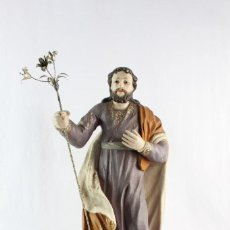 Arte: SAN JOSÉ, TALLA EN MADERA POLICROMADA, OJOS CRISTAL S XIX - SAINT JOSEPH. WOODEN CARVING. GLASS EYES. Lote 219284882