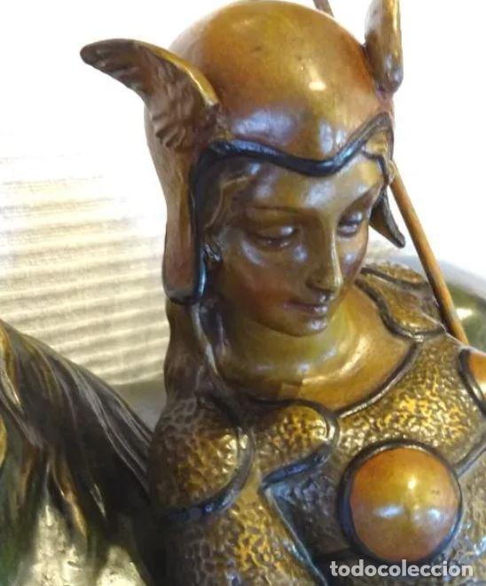 Arte: 55 cmts. Escultura terracota.Art Nouveau. Diosa Minerva. - Foto 7 - 220471896