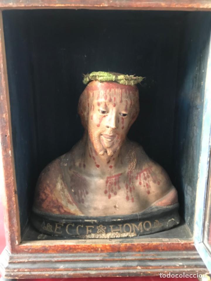 IMPORTANTE ECCE HOMO DE PAPEL MACHÉ POLICROMADO EN HORNACINA ESCUELA ITALIANA S.XVIII. (Arte - Arte Religioso - Escultura)