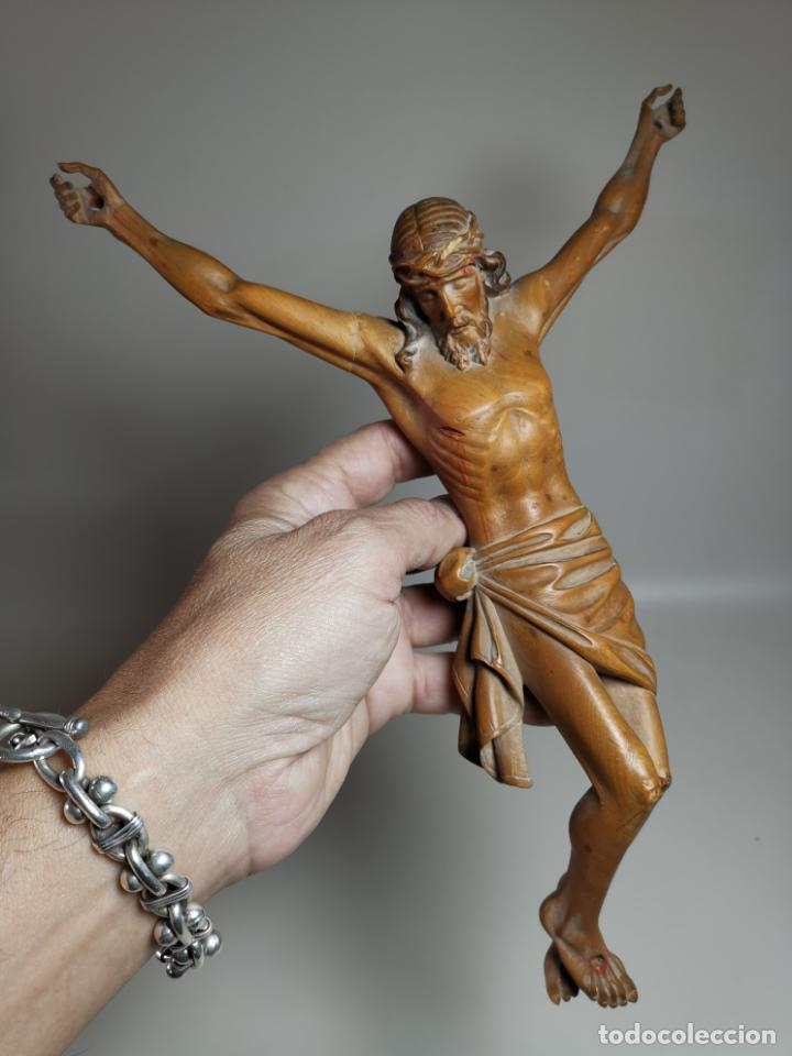 PRECIOSO CRISTO TALLADO EN MADERA DE BOJ, GRAN CALIDAD ARTISTICA SIGLO XIX (Arte - Arte Religioso - Escultura)