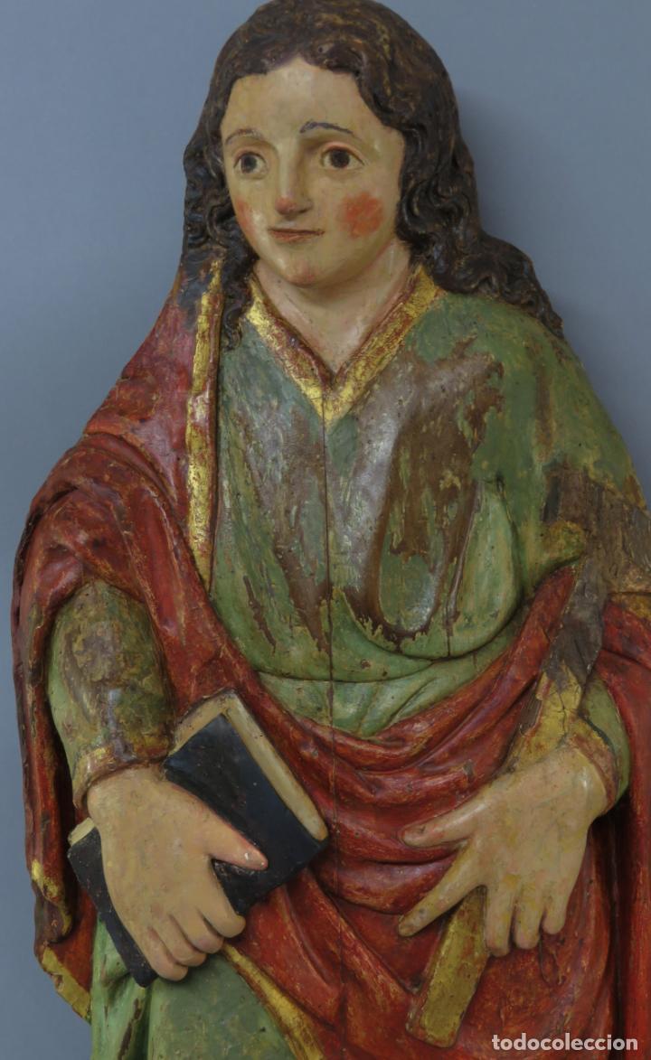 Arte: Talla de medio bulto o chuleta San Juan Evangelista madera tallada dorada y policromada XVI XVII - Foto 2 - 221922775
