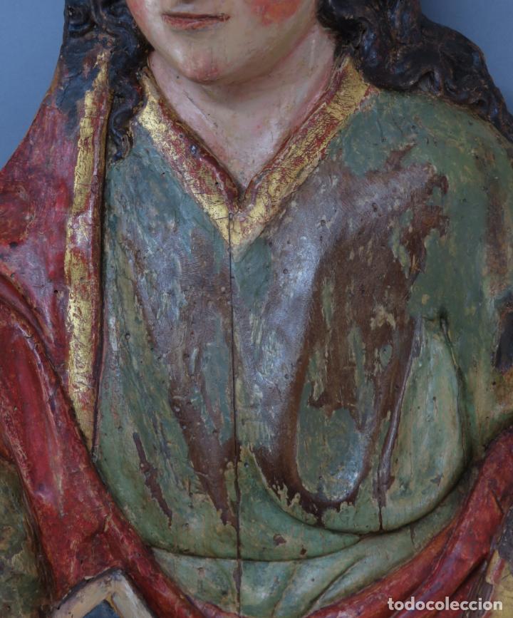 Arte: Talla de medio bulto o chuleta San Juan Evangelista madera tallada dorada y policromada XVI XVII - Foto 4 - 221922775