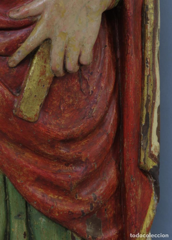 Arte: Talla de medio bulto o chuleta San Juan Evangelista madera tallada dorada y policromada XVI XVII - Foto 8 - 221922775
