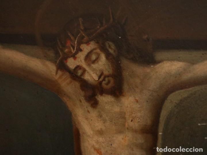 Arte: Tabla de la Crucifixión. Escuela Española del siglo XVII. Medidas de 73 x 54 cm. - Foto 6 - 222506426