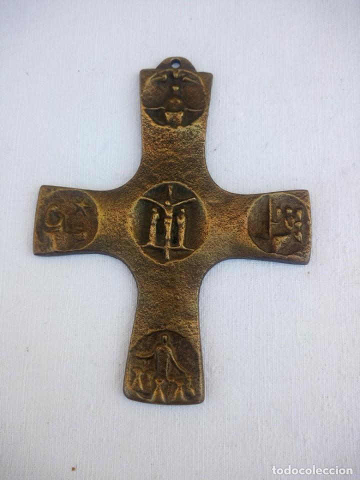 Arte: Antigua cruz hecha en bronce crucificacion - Foto 2 - 223130363