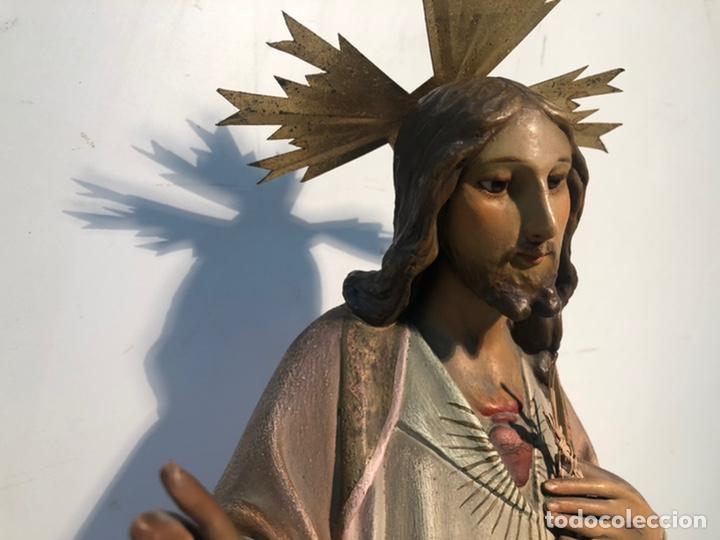 Arte: SAGRADO CORAZON DE ESTUCO OJOS DE CRISTAL ANTIGUO. MODELO OLOT 55 CM. - Foto 4 - 224193348