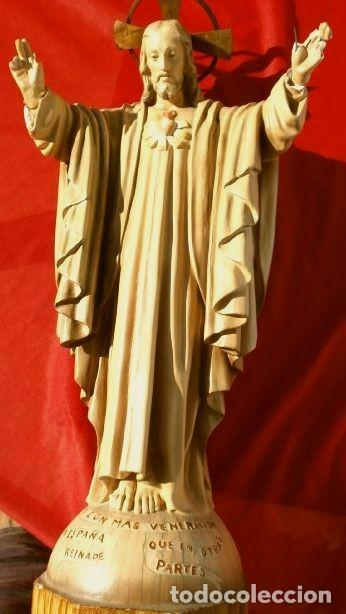Arte: Antigua IMAGEN SAGRADO CORAZON 47 CM ALTO - CRISTO REDENTOR - ESTUCO - MARCA DIMOSA OLOT - Foto 2 - 190826602