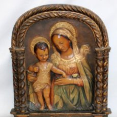 Arte: PRECIOSO Y GRAN ALTORRELIEVE DE LA VIRGEN Y EL NIÑO. SELLO LENA. SARDAÑOLA RIPOLLET. PPIOS S. XX. Lote 224866628