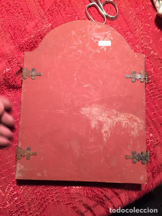 Arte: Antiguo triptico de madera con láminas de la Virgen Maria y Angeles años 60-70 - Foto 9 - 224875777