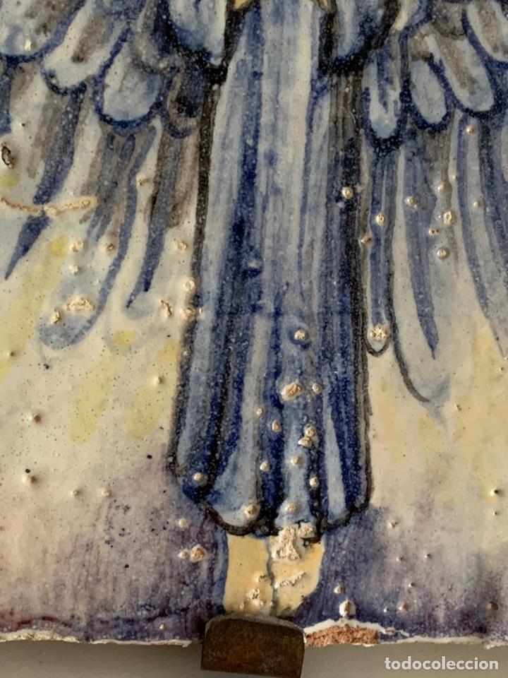 Arte: Azulejo. ANGEL ANUNCIADOR. 20x17x3,5cm. Muy Antiguo - Foto 2 - 228000490