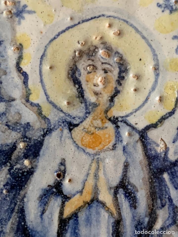 Arte: Azulejo. ANGEL ANUNCIADOR. 20x17x3,5cm. Muy Antiguo - Foto 3 - 228000490