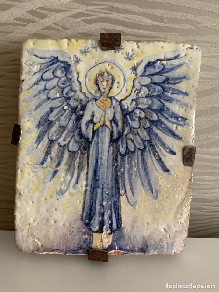 AZULEJO. ANGEL ANUNCIADOR. 20X17X3,5CM. MUY ANTIGUO (Arte - Arte Religioso - Pintura Religiosa - Otros)