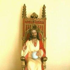 Arte: ANTIGUA IMAGEN SAGRADO CORAZON EN TRONO 41 CM ALTO - CRISTO EN MAGESTAD BENDICIENDO OJOS DE CRISTAL. Lote 181505537