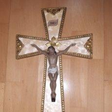 Arte: ANTIGUO JESUCRISTO EN CRUZCON NUMERACIÓN DE TIENDA. VER DESCRIPCIÓN. Lote 232195985