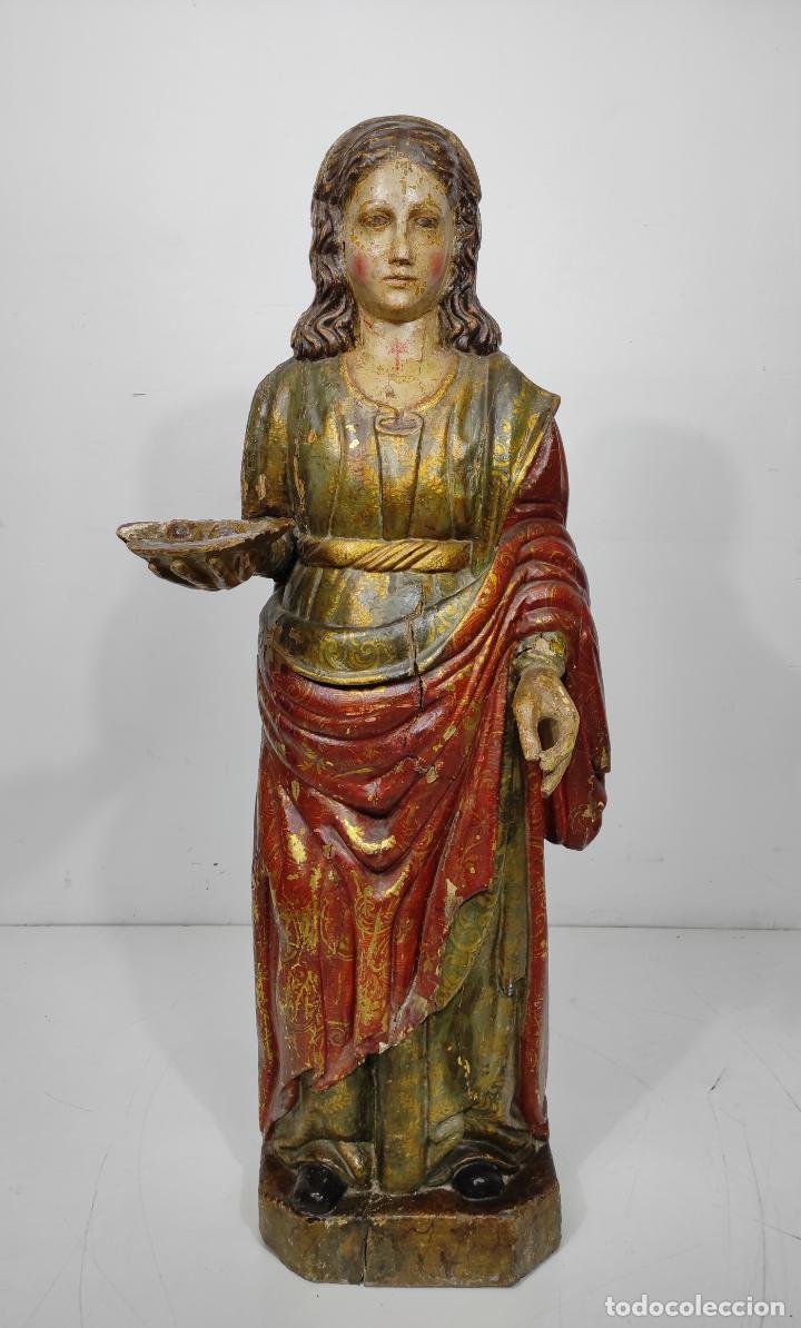 SANTA LUCIA - TALLA DE MADERA POLICROMADA Y DORADA - ESCUELA ESPAÑOLA - ALTURA 116 CM - S. XVII (Arte - Arte Religioso - Escultura)