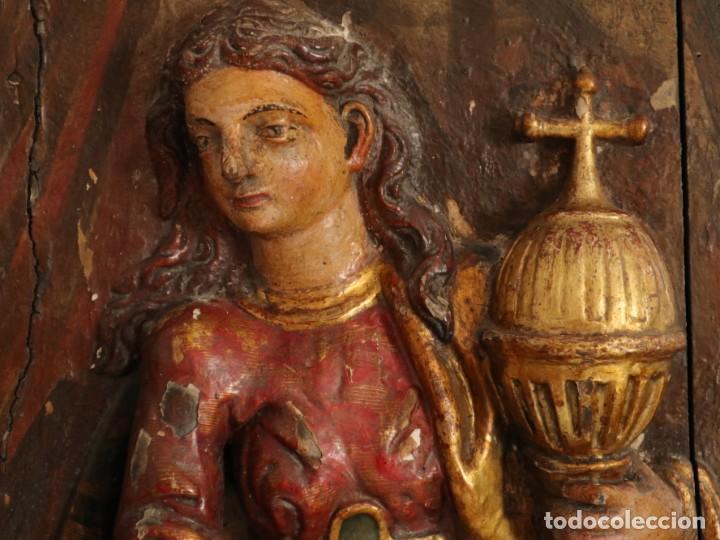 Arte: Santa Clara. Relieve de madera policromada. Retablo del siglo XVII. Mide 81 x 67 cm. - Foto 7 - 235186290