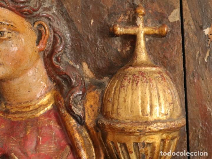 Arte: Santa Clara. Relieve de madera policromada. Retablo del siglo XVII. Mide 81 x 67 cm. - Foto 10 - 235186290
