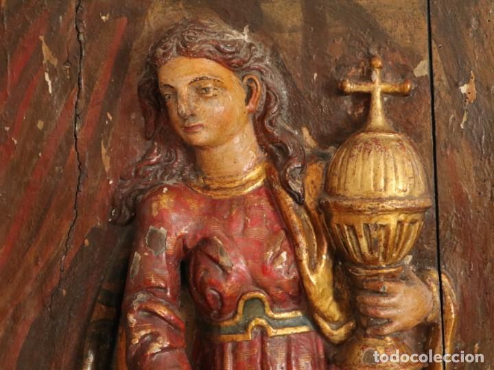 Arte: Santa Clara. Relieve de madera policromada. Retablo del siglo XVII. Mide 81 x 67 cm. - Foto 15 - 235186290