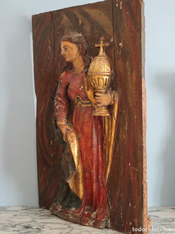 Arte: Santa Clara. Relieve de madera policromada. Retablo del siglo XVII. Mide 81 x 67 cm. - Foto 19 - 235186290
