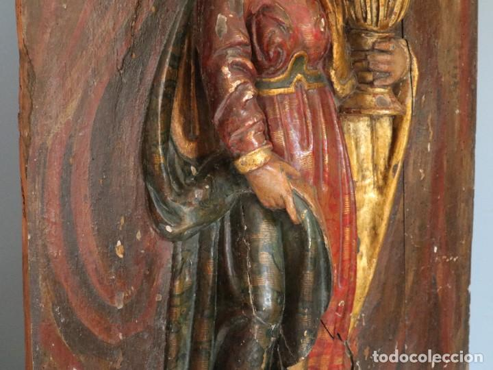 Arte: Santa Clara. Relieve de madera policromada. Retablo del siglo XVII. Mide 81 x 67 cm. - Foto 25 - 235186290