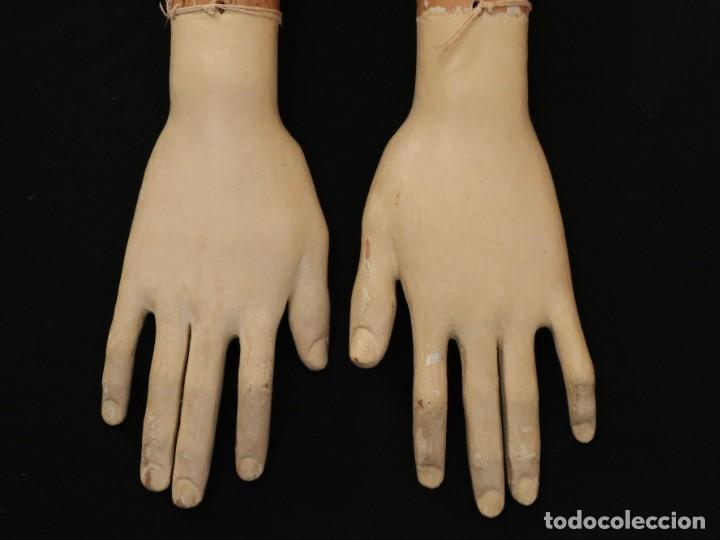 Arte: Brazos y manos de tamaño natural para imagen vestidera o cap i pota. Siglo XVIII. - Foto 4 - 235361650