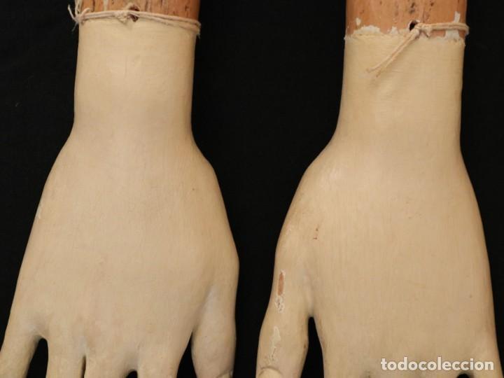 Arte: Brazos y manos de tamaño natural para imagen vestidera o cap i pota. Siglo XVIII. - Foto 6 - 235361650