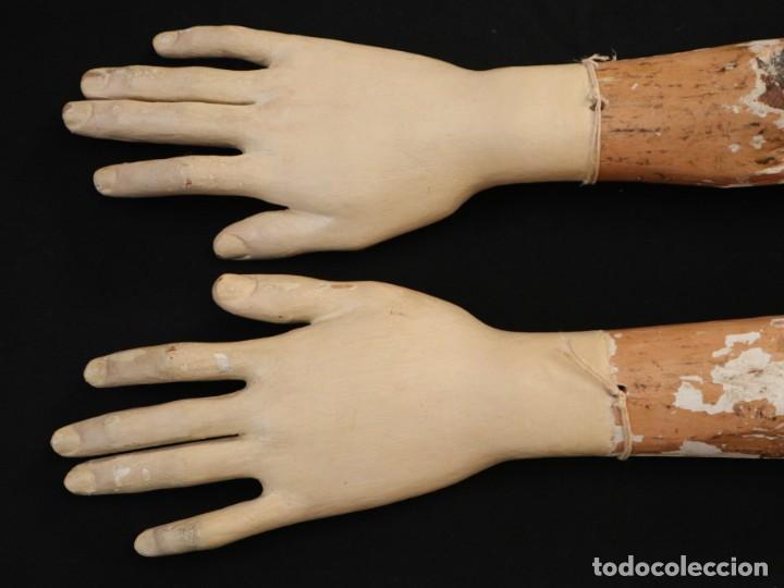 Arte: Brazos y manos de tamaño natural para imagen vestidera o cap i pota. Siglo XVIII. - Foto 10 - 235361650